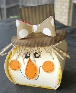 curvy-scarecrow